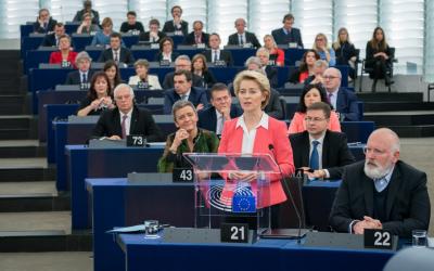 Mimi Jakobsen: Statsministeren kryber i skjul